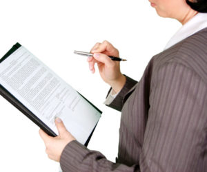 recruiter interviewing contract employees